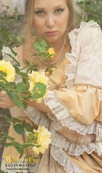 1700-talsklänning guld/gul.